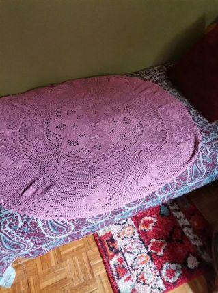 Nappe ronde en crochet fait main couleur vieux rose