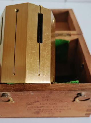 Instrument de mesure de géomètre en laiton, ancien