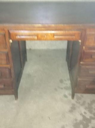 Bureau chêne vintage années 60 deux colonnes de tiroirs