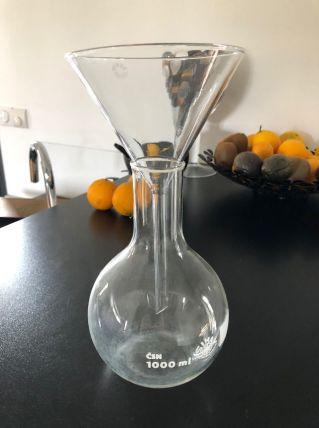 Grand entonnoir en verre
