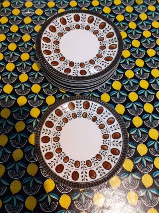 Céramique Boch assiettes dessert modèle noix 1966