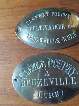 Lot deux plaques en laiton agriculteur