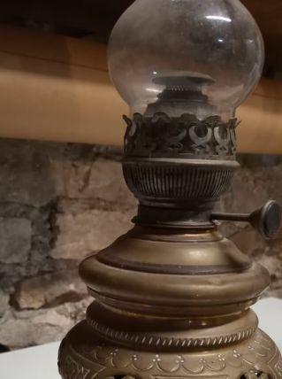 Lampe à pétrole en cuivre capacité 5 L ( ref N7 )