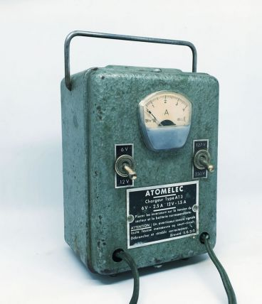 Chargeur de batteries 60s industriel