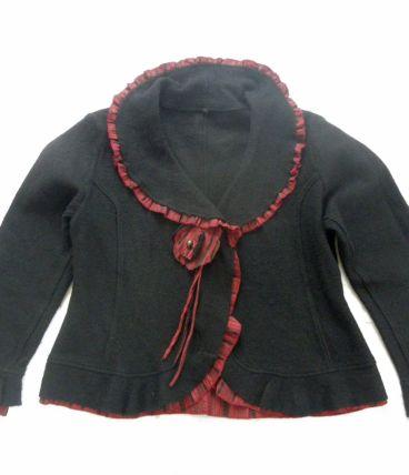 Veste courte laine noire avec volant T 42