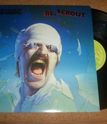33 TOURS SCORPIONS album blackout 9 titres