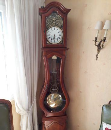 Horloge comtoise en merisier