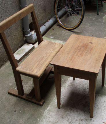 Petite table avec son banc