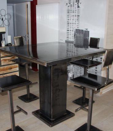 Table Haute Ferronnerie d'Art + 6 tabourets