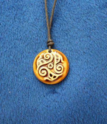 Collier style celtique effet céramique