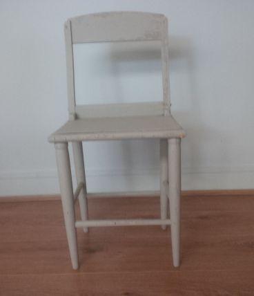 petite chaise enfant vintage luckyfind. Black Bedroom Furniture Sets. Home Design Ideas