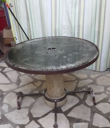 table insolite