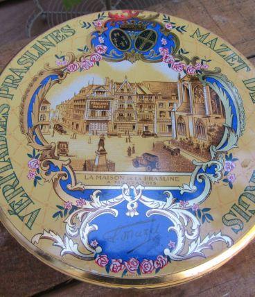 """Boite ronde en métal """" Mazet de Montargis, Véritable praslin"""