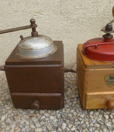lot de 2 anciens  moulins a café vintages