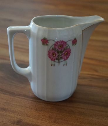 pichet en porcelaine allemande motif floral