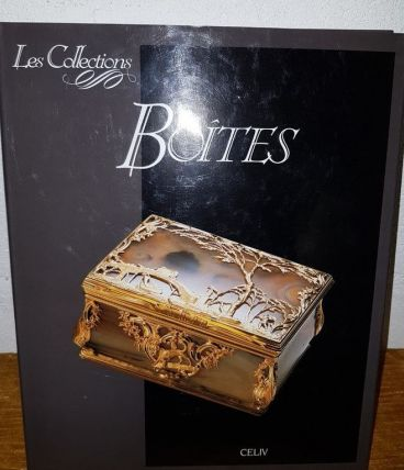 BOÎTES. Les Collections