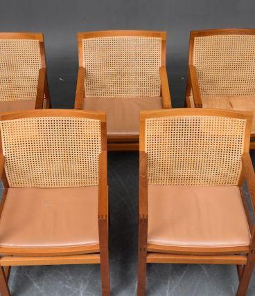 5 chaises en acajou, 'king series' de Rud Thygesen et Johnny