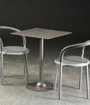 Ensemble 2 chaises et un table – Niels Gammelgaard & Lars Ma