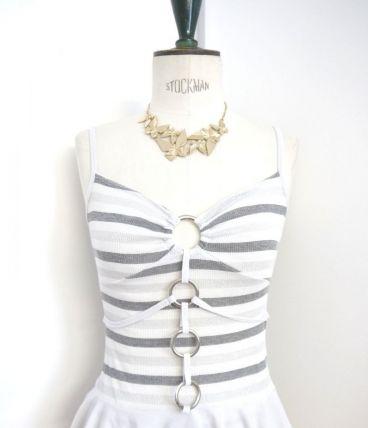 Top haut débardeur tshirt sexy argent gris blanc anneau lace