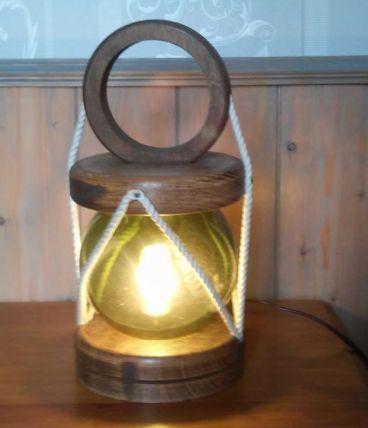 lampe de marin avec boule de flotteur