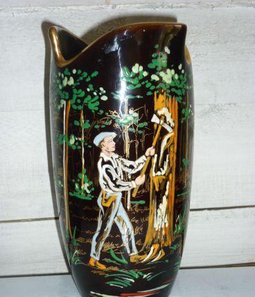 Vase à décor landais gemmeur (résinier) peint à la main