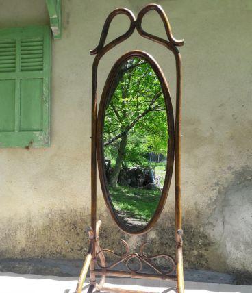 Miroir psyché en rotin brun