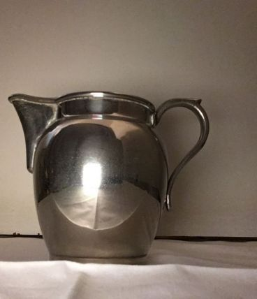 Pot à lait métal