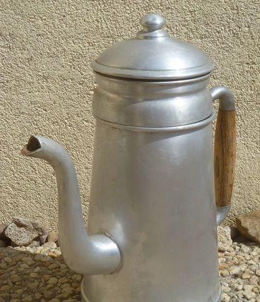 cafetière en aluminium ancienne ,vintage