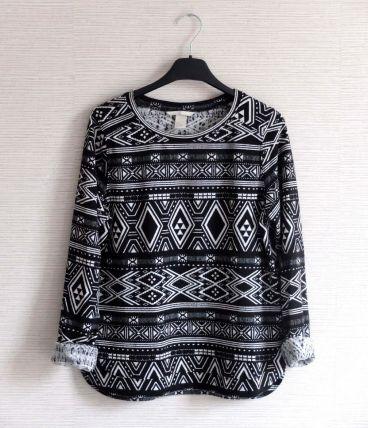 Sweat leger noir blanc motifs géométrique