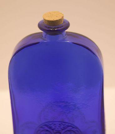 flacon bleu cobalt aux frises art d co luckyfind. Black Bedroom Furniture Sets. Home Design Ideas