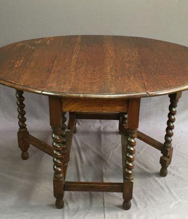Table pliante anglaise en chêne - XXème