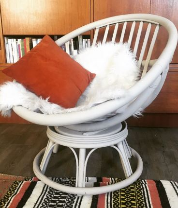 Chaise rotin pivotante