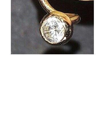 Diamant pour piercing narine (0.07 carats) et or 18 carats
