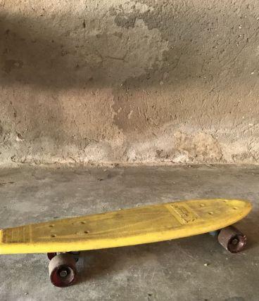 Skateboard jaune vintage