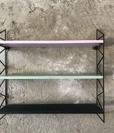 Etagère en acier avec 3 plateaux