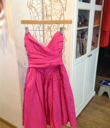 Robe cocktail fushia  t34
