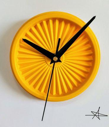 "Horloge vintage, pendule ""Tupperware Jaune"""