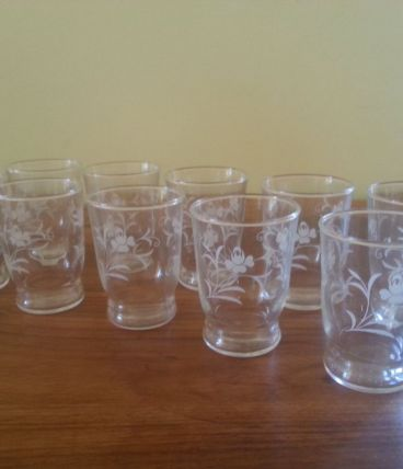 Vends set de 10 grands verres de table