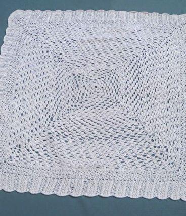 plaid , couverture au crochet ancien ,vintage