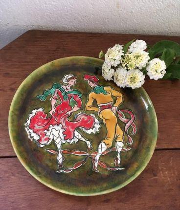 Assiette  peinte à la main ,art populaire.