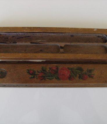 Ancien plumier bois motifs roses années 40/60