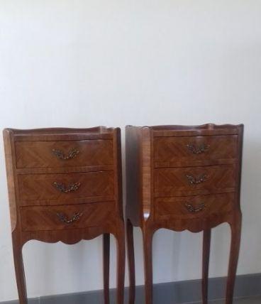 deux tables de chevet
