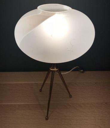 Jolie lampe sur pieds en laiton tripode