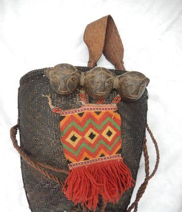 Panier de cueilleur traditionnel en osier (Nagaland)