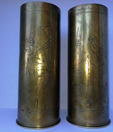 Rare douilles anciennes de déco en laiton (1916)