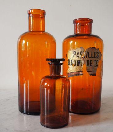 Bocaux à pharmacie en verre ambré
