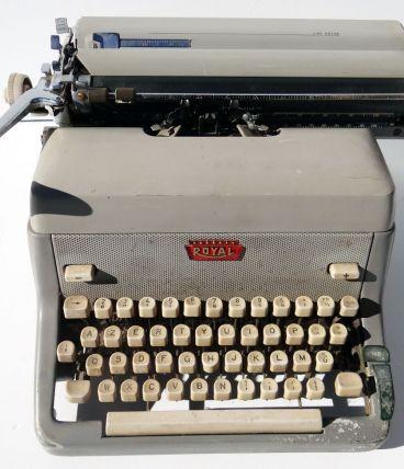 Machine à écrire Royal