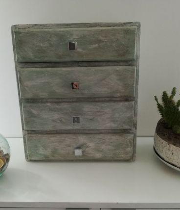 Boîte en bois  à tiroirs