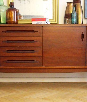 longue enfilade vintage pieds compas 1950 60 bois massif luckyfind. Black Bedroom Furniture Sets. Home Design Ideas