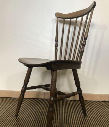 8 chaises Menuet de Baumann